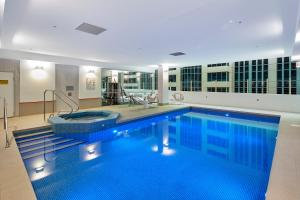 The swimming pool at or close to Novotel Melbourne On Collins