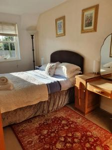 A bed or beds in a room at The craw inn