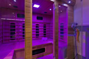 Een badkamer bij Wellness Suite Zeist