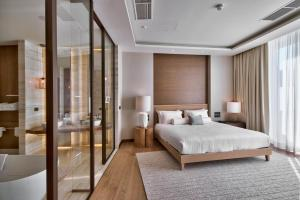 Cama o camas de una habitación en Radisson Blu Resort & Spa, Malta Golden Sands