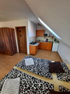 Posteľ alebo postele v izbe v ubytovaní Apartmany Star