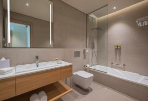 A bathroom at Element Al Jaddaf, Dubai