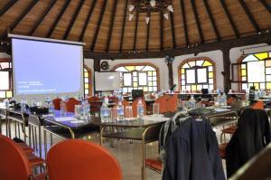 Un restaurante o sitio para comer en Jardines De Chamana
