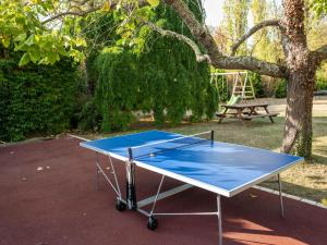 Tennis and/or squash facilities at Attractive Villa in Velines with Private Garden or nearby