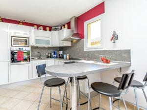 A kitchen or kitchenette at Charming Apartment in Mallemort with Swimming Pool