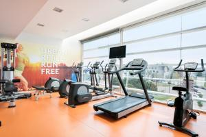 The fitness center and/or fitness facilities at Hotel Barcelona Aeropuerto, affiliated by Meliá