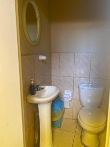 A bathroom at Hostel Climbing Point