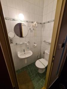 A bathroom at Brioni Boutique Hotel 4*