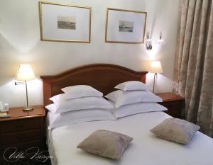 Кровать или кровати в номере Villa Ksenija
