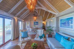 Зона вітальні в Melia Zanzibar