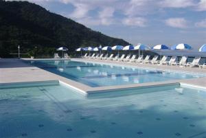 A piscina localizada em Apartamento no Porto real resort ou nos arredores