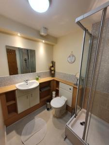 A bathroom at Jacobs Apartment Edinburgh