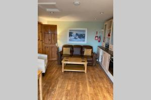 A seating area at Seagull Cottage