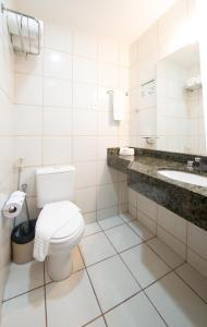 A bathroom at Maredomus Hotel
