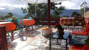 A restaurant or other place to eat at Hospedaje Rural La Boira