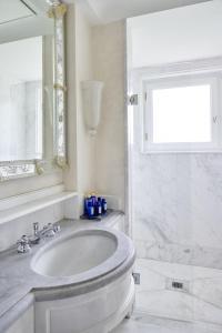 A bathroom at Cipriani, A Belmond Hotel, Venice