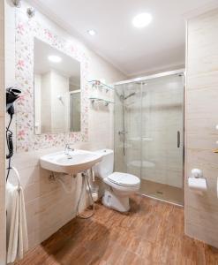 A bathroom at Tierra de la Reina