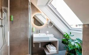 A bathroom at Hotel Zach