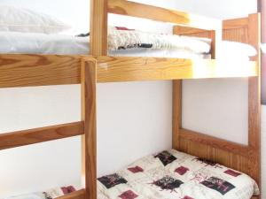 A bunk bed or bunk beds in a room at Apartment with 2 bedrooms in Vignec with furnished terrace 750 m from the slopes