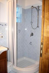 A bathroom at Apartment with one bedroom in Cinisi with WiFi