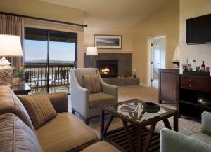 A seating area at Bodega Bay Lodge