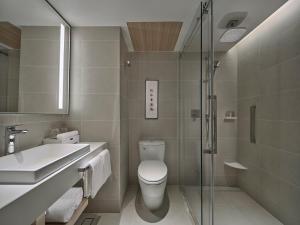 حمام في Hilton Garden Inn Guangzhou Tianhe