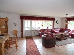 Ein Sitzbereich in der Unterkunft Alluring Apartment in Buntenbock near Ski Area
