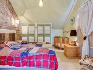 A bed or beds in a room at Elegant Holiday Home in Niderviller near Forest