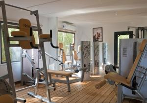 The fitness centre and/or fitness facilities at Rent Paradise