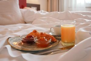 Breakfast options available to guests at Hotel Europäischer Hof Hamburg