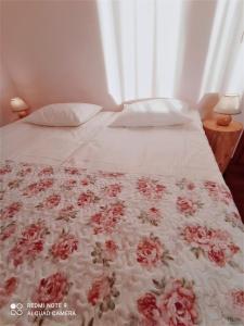 Łóżko lub łóżka w pokoju w obiekcie Rancho