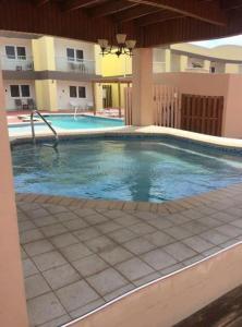 A piscina localizada em Condo With Walking Distance To Eagle Beach ou nos arredores