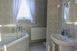 A bathroom at Apartmány u Petry
