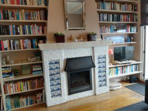 De bibliotheek in het appartement