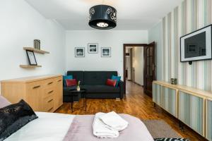 Część wypoczynkowa w obiekcie Sleepway Apartments- Szyperska z parkingiem