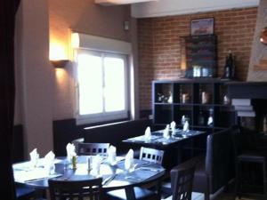 Restaurant ou autre lieu de restauration dans l'établissement Storia Da Ennio