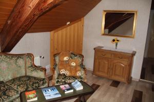 Uma área de estar em Historic Hotel Steinbock