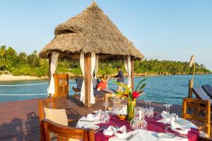 A restaurant or other place to eat at Zanzi Resort