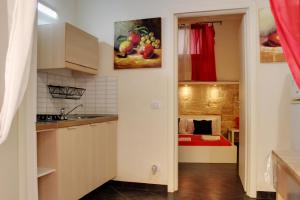 A kitchen or kitchenette at Garibaldi