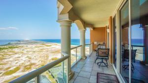A balcony or terrace at Portofino Island Resort
