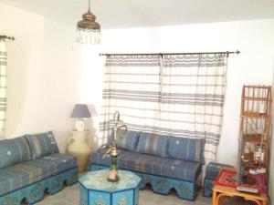A seating area at Villa with 5 bedrooms in Djerba with private pool enclosed garden and WiFi 1 km from the beach