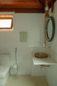 A bathroom at Casa no Sítio Aroma da Serra