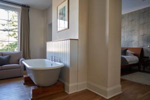 A bathroom at Hotel Du Vin & Bistro Tunbridge Wells