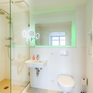 A bathroom at bedpark Stellingen