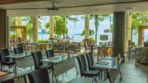 A restaurant or other place to eat at InterContinental Pattaya Resort, an IHG Hotel