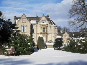 Mercure Sheffield Kenwood Hall & Spa during the winter