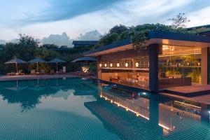 The swimming pool at or near Doubletree By Hilton Weerawila Rajawarna Resort