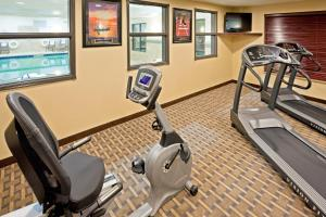 The fitness center and/or fitness facilities at Holiday Inn Express Hotel & Suites Syracuse North Airport Area