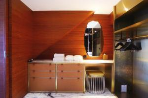 A bathroom at The Macau Roosevelt Hotel