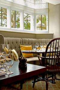 A restaurant or other place to eat at Ellenborough Park